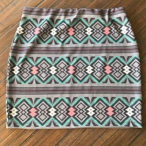 Xhilaration size large gray geometric/Aztec skirt